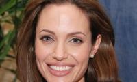 Анджелина Джоли планирует сделать себе пластику