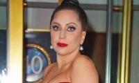 Леди Гага беременна (фото певицы с округлившимся животом)