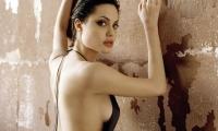 Анджелина Джоли выпустила фильм «Несломленный» в качестве режиссера