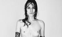 Кира Найтли, находясь в положении, снялась с обнажённой грудью